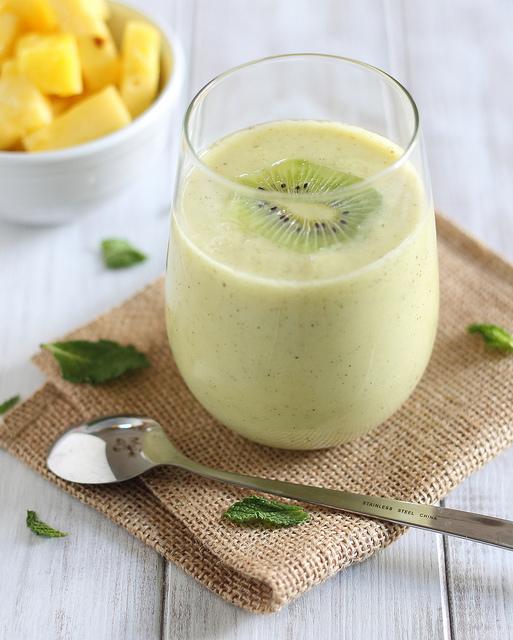 smoothie-kiwi-ananas