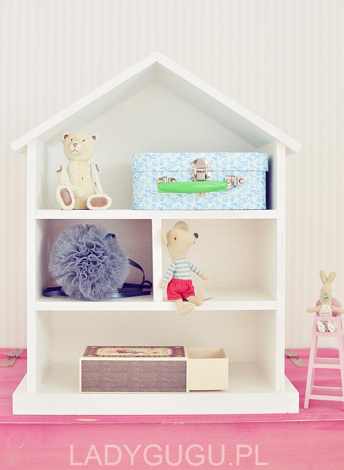 drewniany-domek-lalek