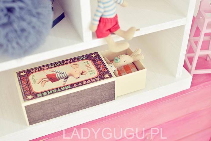 zabawki-do-drewnianego-domku