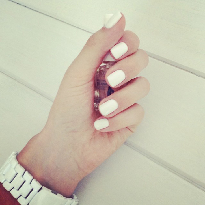 biale-paznokcie