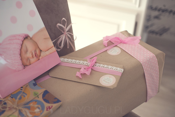 pakowanie-prezentow-na-baby-shower