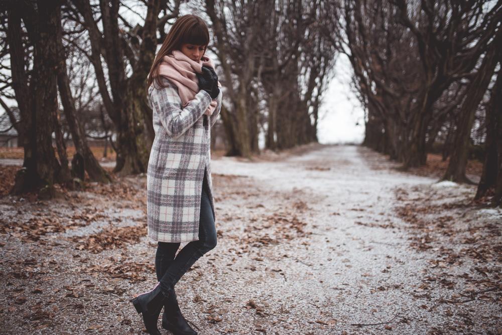 pastelowy-plaszcz-zimowy