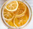 woda z cytryna i miodem na czczo