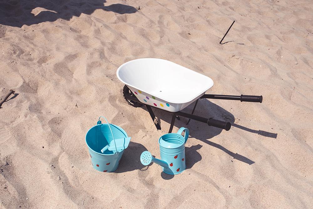 co zabrac na plaze dla dziecka