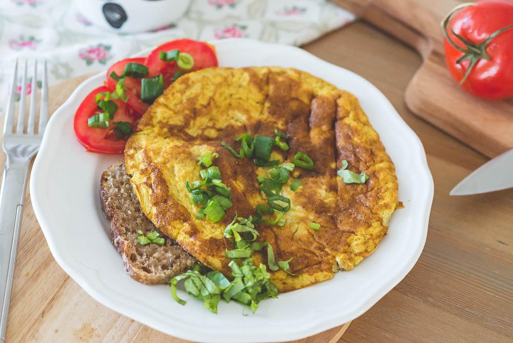 omlet z warzywami dla dziecka