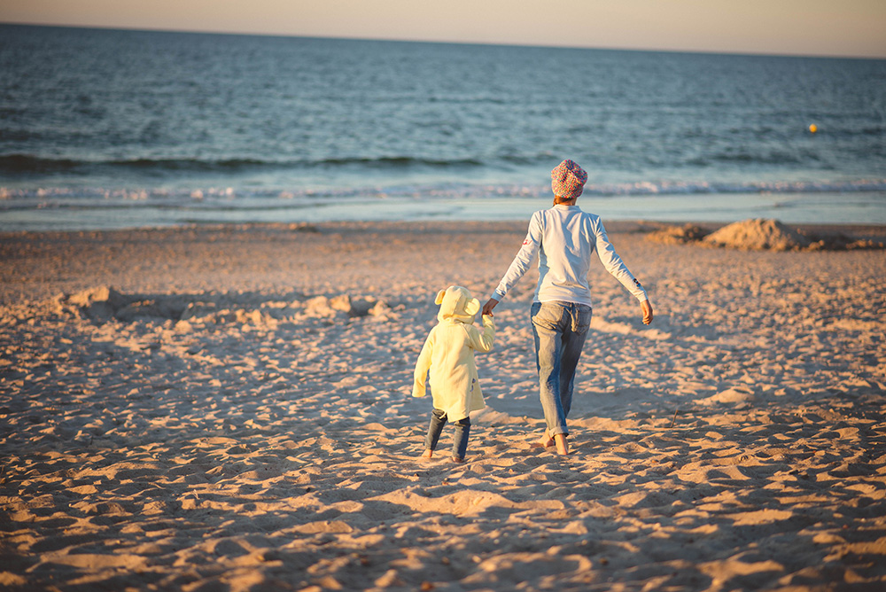 mama i corka na plazy