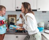 4 pomysły na szybki obiad, kiedy nie masz czasu ani ochoty na długie gotowanie