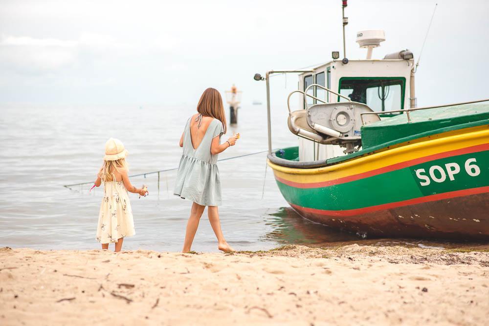 nad morze z dzieckiem
