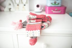 czerwony szalik
