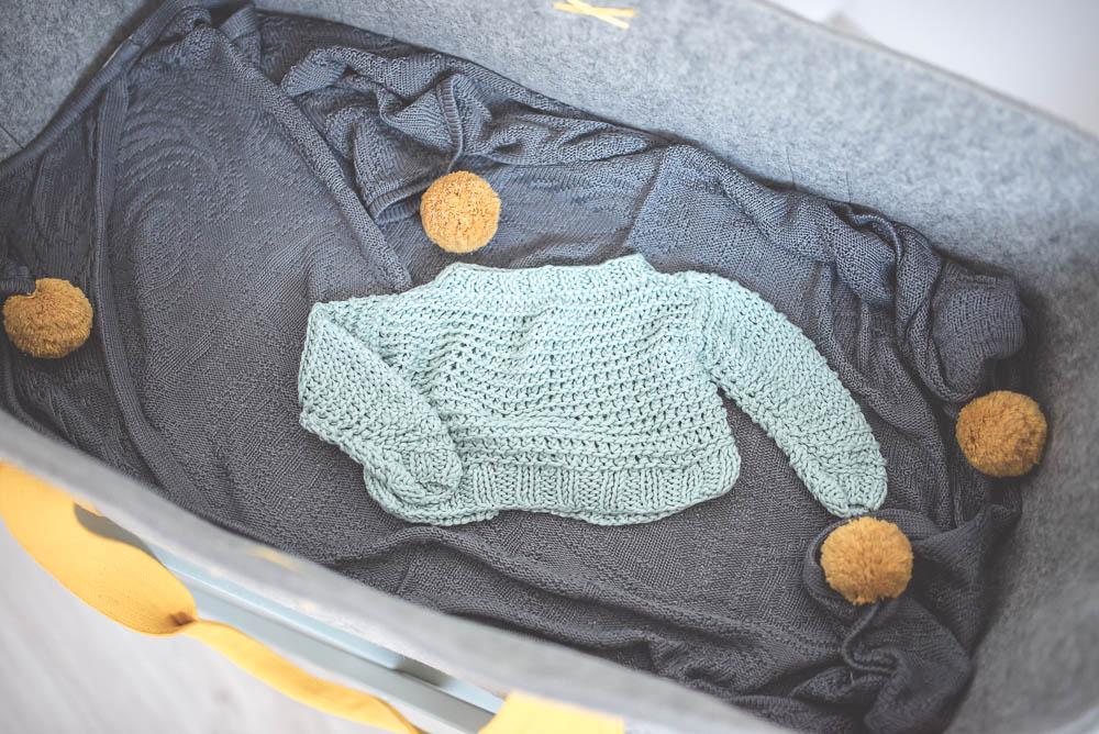 Kosz Mojżesza Mokee, ubranka dla niemowląt