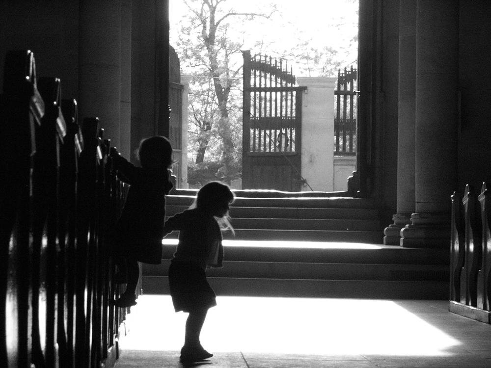 """""""Proszę wyprowadzić to dziecko!"""", czyli o tym, co wyprawiają dzieci w kościele."""
