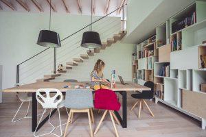 drewniany stol jadalnia