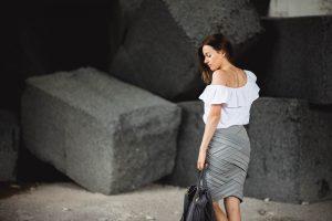 stylizacja olowkowa spodnica