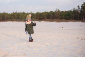 dziecko na plazy