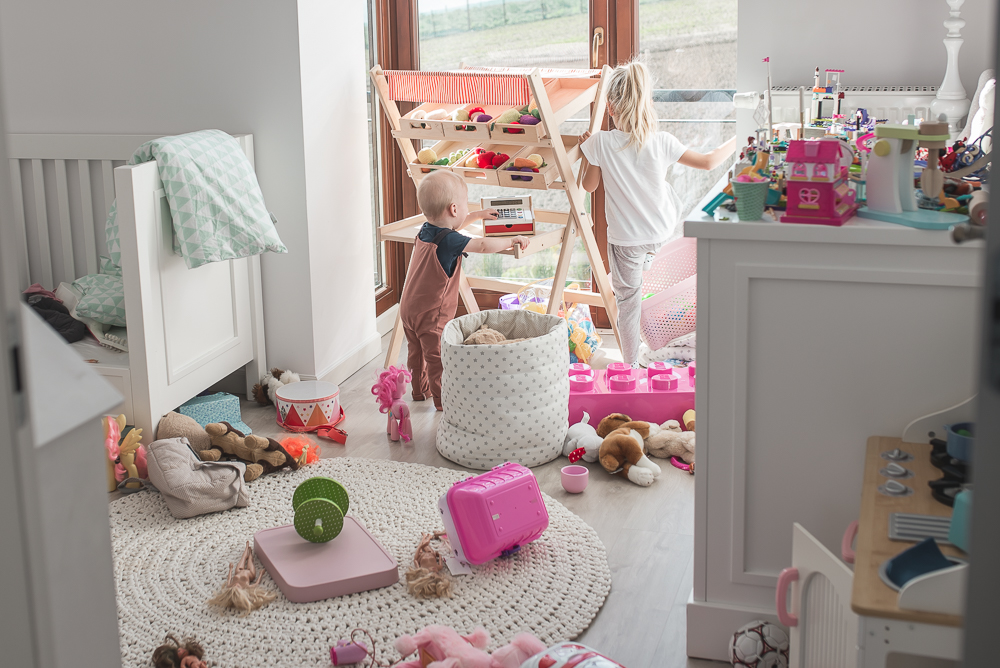 balagan w pokoju dziecka
