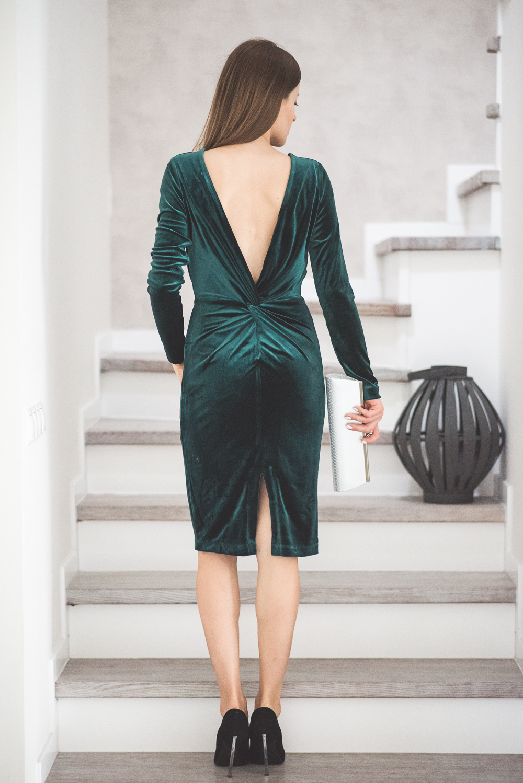 sukienka bez plecow