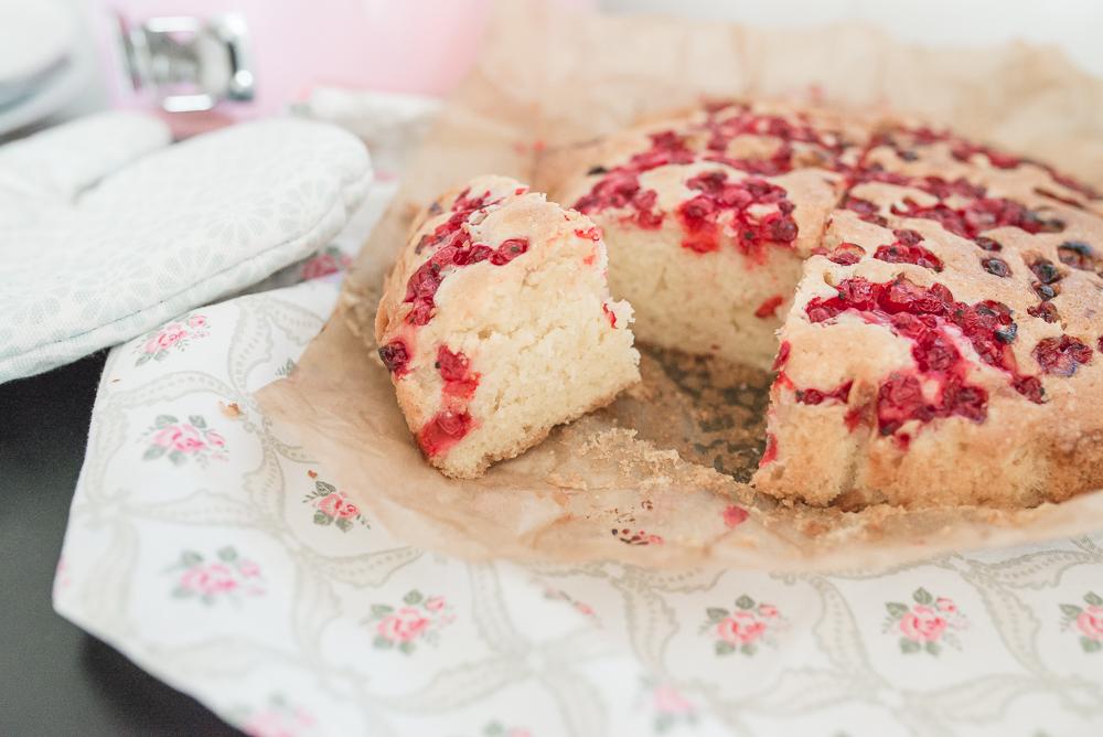 ciasto ucierane z porzeczkami