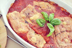 zapiekania ze szpinakiem pomidorami
