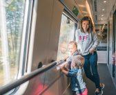 Dlaczego podróżując z dziećmi warto czasem zamienić auto na pociąg?
