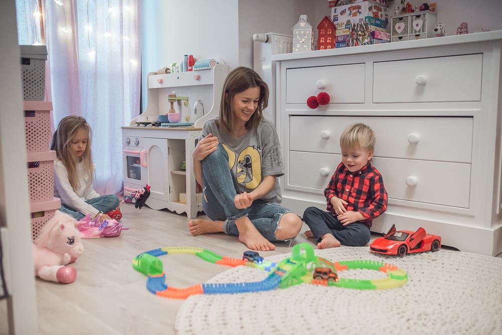 10 propozycji świątecznych prezentów dla dzieci, które nie nadszarpną zbytnio domowego budżetu.
