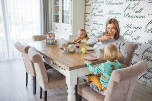 rodzinne sniadanie