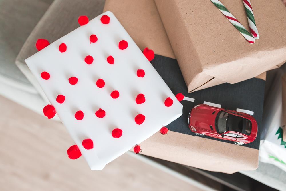 pakowanie prezentow swiatecznych dla dzieci