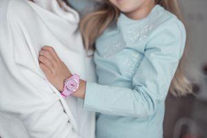 rozowy zegarek dzieciecy