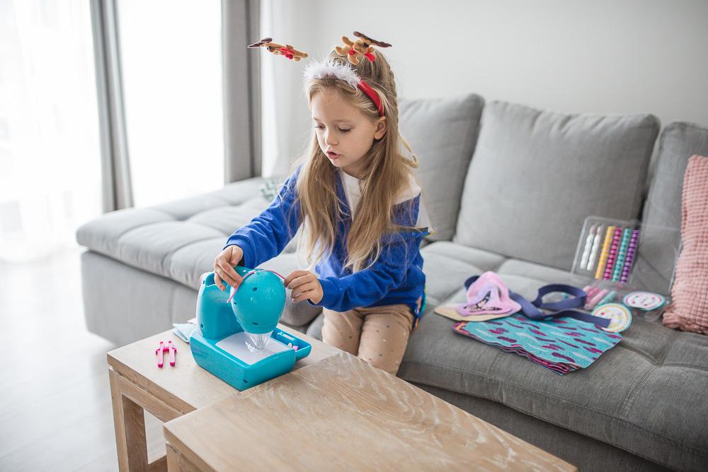 zabawkowa maszyna do szycia