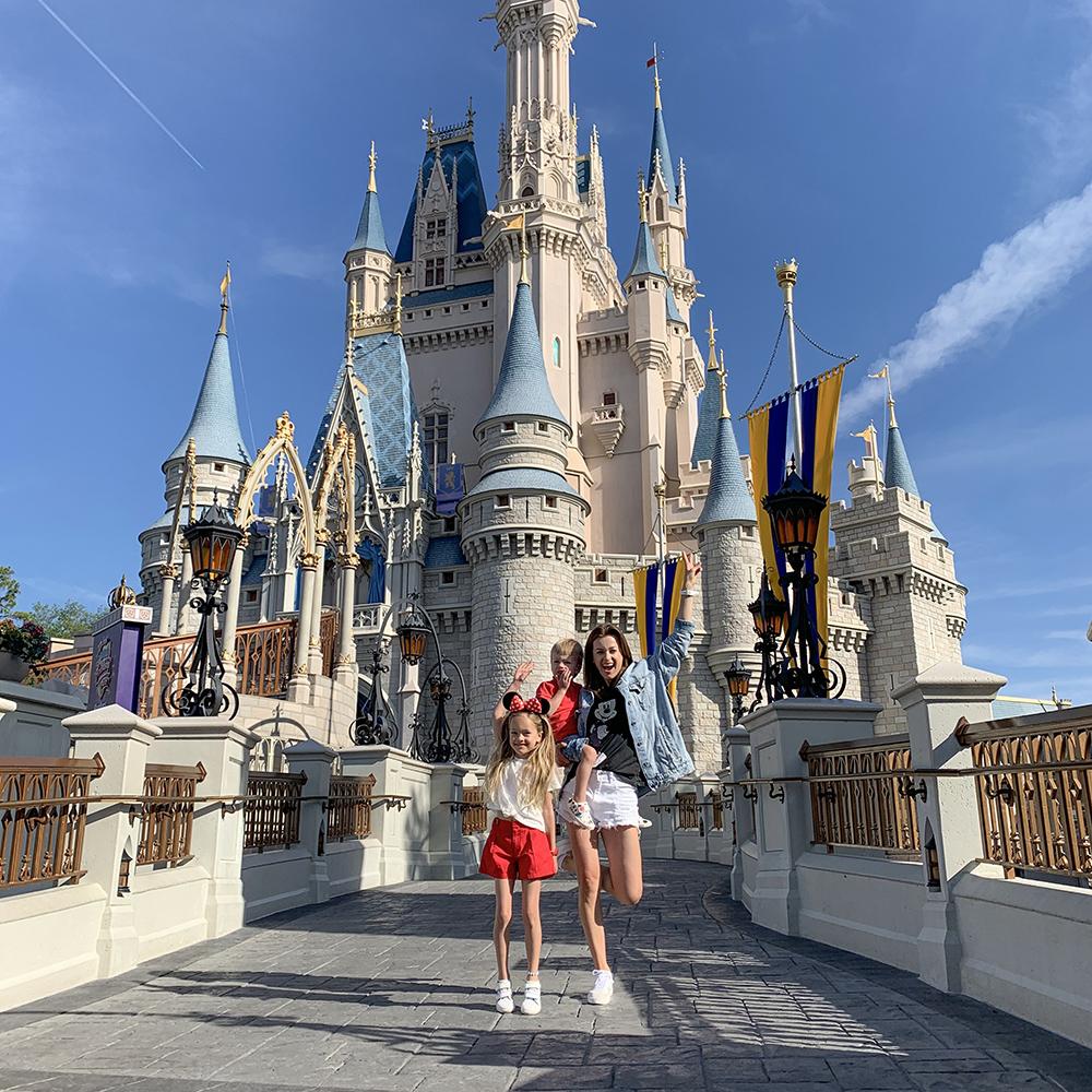 Kilka praktycznych wskazówek, jak nie zbankrutować po wizycie w Disneylandzie!