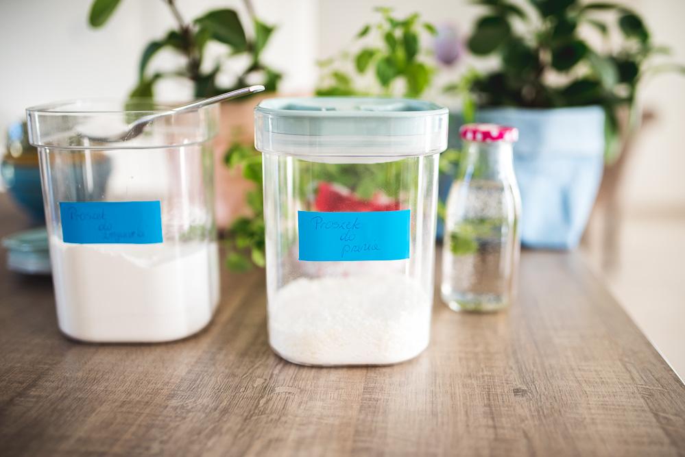 Dom bez chemii: jak zrobić proszek do prania, proszek do zmywarki i płyn do zmiękczania tkanin dosłownie za grosze?