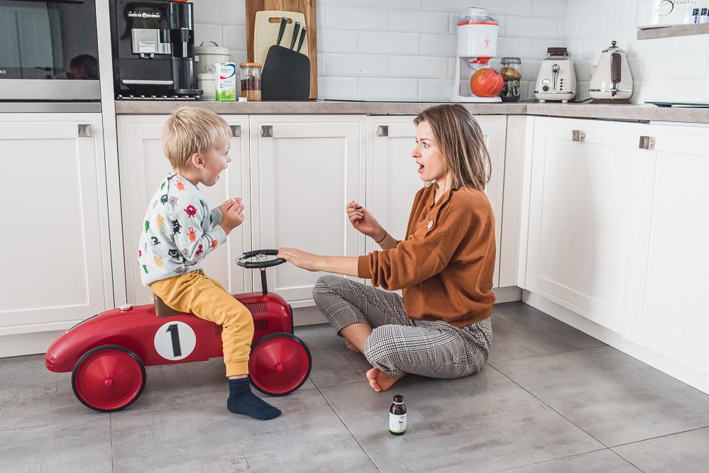 Jak pomóc dziecku podczas przeziębienia? Kilka skutecznych sposobów.