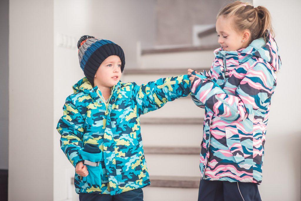 Gdzie kupić zimowe ubrania dla dzieci (buty, kurtki, kombinezony, czapki, rękawiczki)? Na dodatek na WYPRZEDAŻY!!!